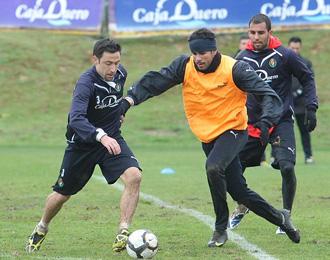 Marcos y Diego Costa, en un entrenamiento del Valladolid