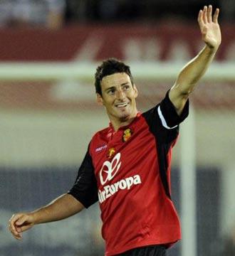Aduriz celebra su gol contra el Real Madrid