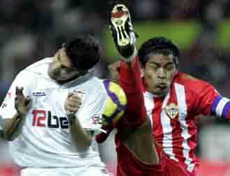 El Sevilla se lo juega todo en Almer�a