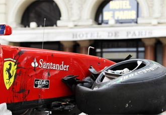 El Ferrari de Alonso qued� destrazado en las �litmas pr�cticas