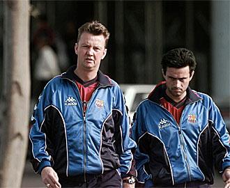Van Gaal y Mourinho durante un entrenamiento del Barça en la temporada 97-98.