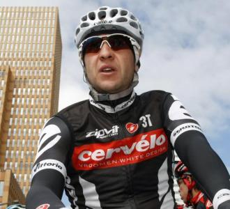 Carlos Sastre antes de tomar la salida.