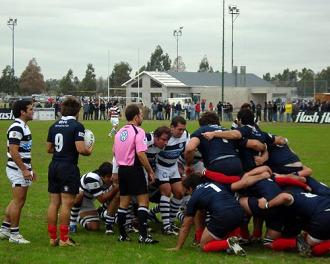 La poderosa delantera de CASI se mostr� implacable con Buenos Aires. Fotos: RugbyFun