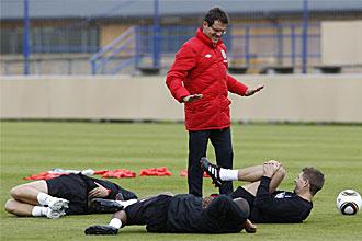 Capello dirige el entrenamiento de la selecci�n inglesa el pasado mi�rcoles.