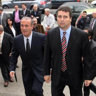 Ferrer y Godall son dos de los directivos que se han visto obligados a dimitir
