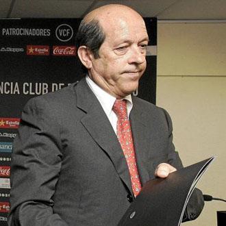 Manuel Llorente lleg� a la presidencia del club ch� hace un a�o