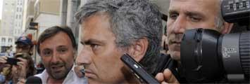 Mourinho, asediado en Milan