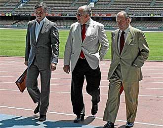 Los administradores del Xerez, en el estadio de Chap�n