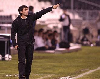 Asier Garitano da instrucciones a sus jugadores en un partido de esta temporada