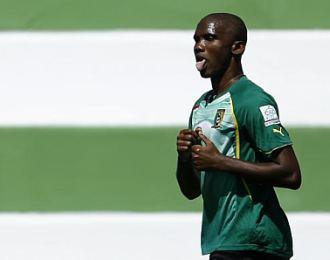 Samuel Eto'o, este lunes, entrenando en la localidad portuguesa de Covilha.