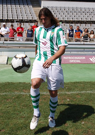Savoia, el d�a que fue presentado como nuevo jugador del C�rdoba en el Nuevo Arc�ngel, esperaba haber jugado m�s como verdiblanco