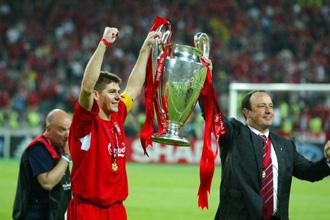 Ben�tez le gan� una Copa de Europa al Milan