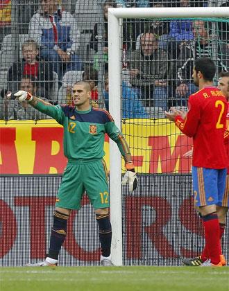 Víctor Valdés defendió los colores de España por primera vez.