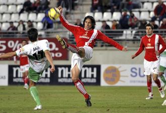 Elche y Murcia compiten por metas distintas