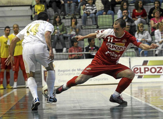 �scar Redondo encara a Wilde durante un encuentro ante ElPozo Murcia