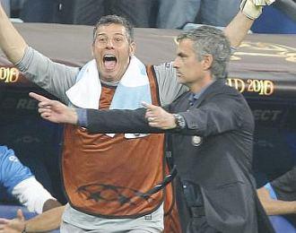 Jos� Mourinho celebra el segundo gol del Inter durante la final de la Liga de Campeones ante el Bayern de M�nich.
