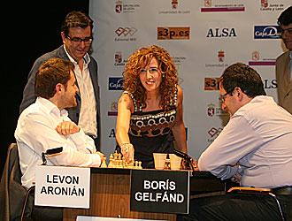 Aronian y Gelfand en los proleg�menos de la partida decisiva