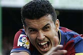 Pedro celebra un gol con el Barcelona la temporada pasada