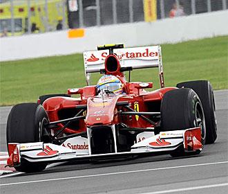 Fernando Alonso pilota su Ferrari.
