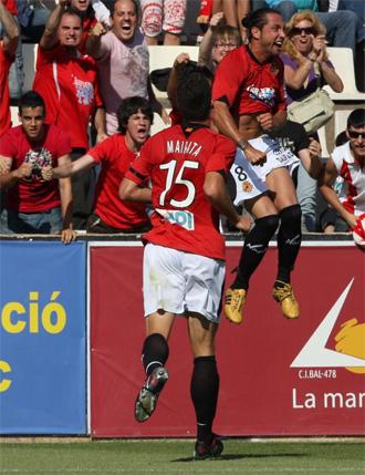 Jose Mari celebra un gol frente al Elche