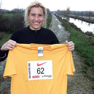 Marta Dominguez en el Canal de Castilla en Palencia
