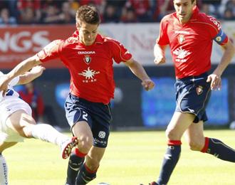 Azpilicueta, en un partido con Osasuna