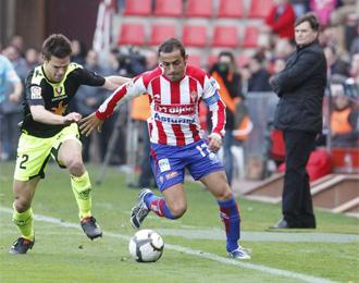 Diego Castro, en el partido del Sporting contra Osasuna