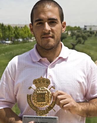 Miguel Cantero estren� su palmar�s profesional en el Circuito de Madrid.