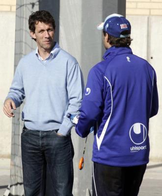 Ram�n Planes y Pochettino hablan tras un entrenamiento del Espanyol.