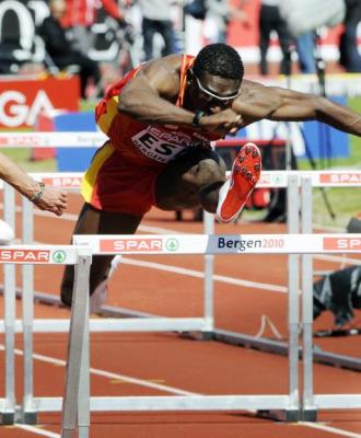 Jackson Qui��nez fue tercero en 110 metros vallas.