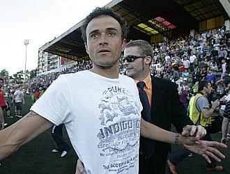 Luis Enrique, feliz por lograr el ascenso en su segunda temporada en el banquillo del filial