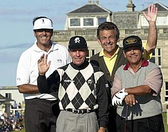 Tony Jacklin, junto a otros veteranos golfistas.