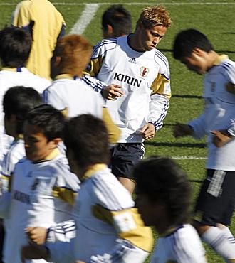Jap�n tiene en su mano el pase a octavos: le vale un empate ante Dinamarca.