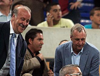 Del Bosque y Cruyff, en el palco del Camp Nou