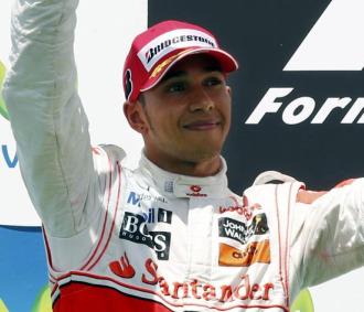 Lewis Hamilton, en el podio de Valencia