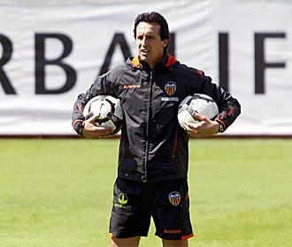 Emery, en un entrenamiento del Valencia.