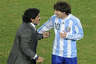 Messi bromea con Maradona al finalizar el partido ante Alemania
