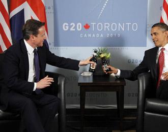Cameron brindando con Obama en el G-20