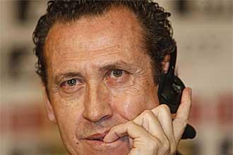 Jorge Alberto Valdano, durante la presentaci�n de Jos� Mourinho