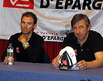 Eusebio Unz�e junto a Alejandro Valverde en una imagen de archivo.