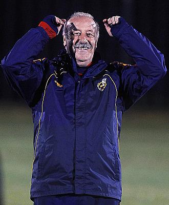 Del Bosque se mostr� sonriente en el primer entrenamiento tras derrotar a Portugal