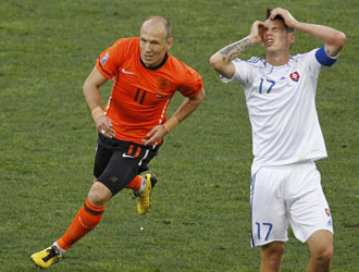 Julio C�sar teme la verticalidad de Robben