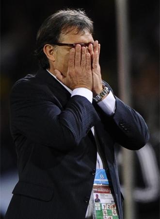 Martino, en un momento de la tanda de penaltis entre Paraguay y Jap�n