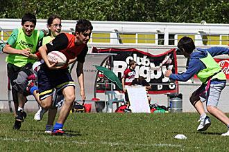 La modalidad de 'rugby cinta' est� acercando este noble deporte a los colegios espa�oles