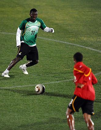Muntari, durante un entrenamiento de Ghana.
