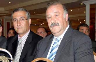 Manzano y Del Bosque en una entrega de premios en 2004