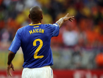Maicon, durante el encuentro de Brasil ante Holanda.