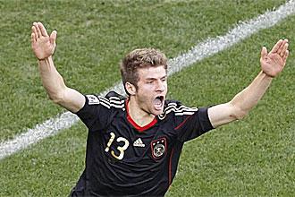 Thomas M�ller celebra su gol ante Argentina