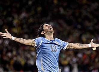 Abreu celebra su gol en la tanda de penaltis.