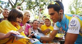 Contador fue uno de los ciclistas m�s aclamados en la salida de Rotterdam